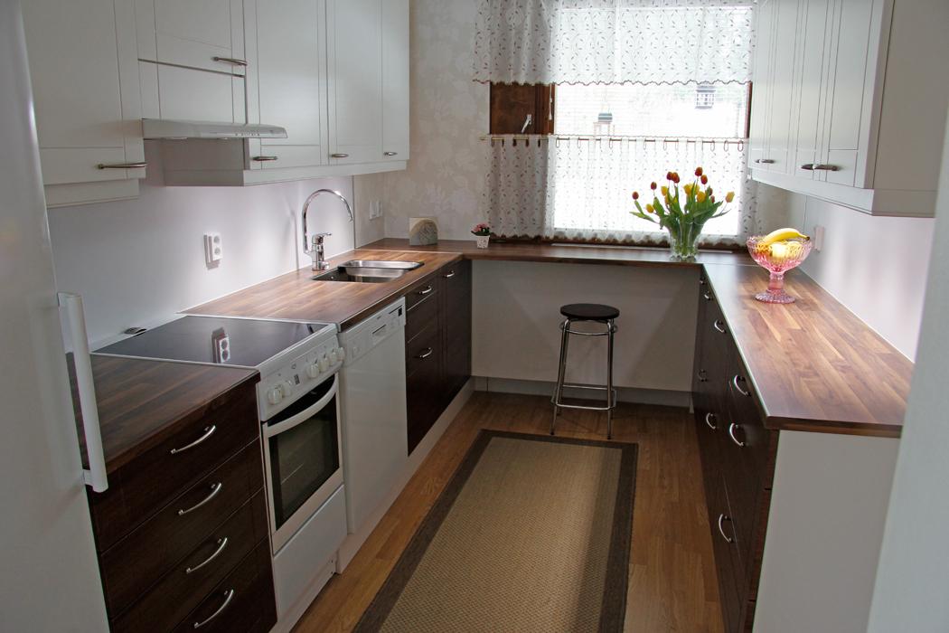 Vanhasta keittiöstä uusi  Himangan puusepät